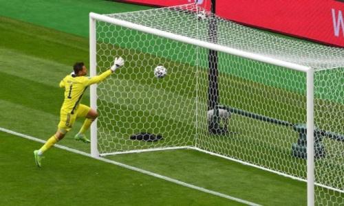 На ЕВРО-2020 был забит шикарный гол с центра поля. Видео