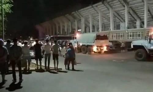 Болельщики «Ордабасы» не выпускали клубный автобус после поражения в матче КПЛ. Видео