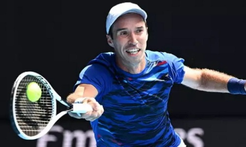 Кукушкин одержал победу в квалификации к турниру серии ATP 250 в Истборне