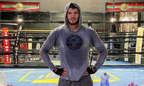 Казахстанский боксер из команды Головкина продолжает тренировки в США