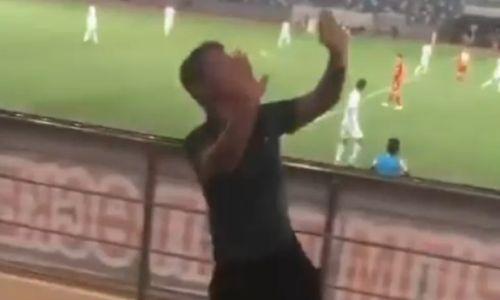 Казахстанский «Моуриньо» зажигательным танцем на трибунах затмил игру лидера КПЛ. Видео