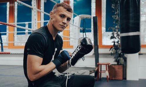 «Мясник» из Казахстана дебютировал в профи с победы нокаутом. Видео