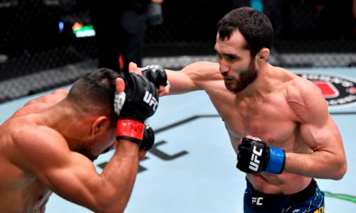 «Будет проблемой». Зарубежный ресурс похвалил победу Сергея Морозова в UFC