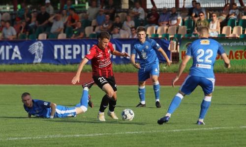 Казахстанский футболист удалился в матче европейского чемпионата, но его клуб одержал крупную победу. Видео