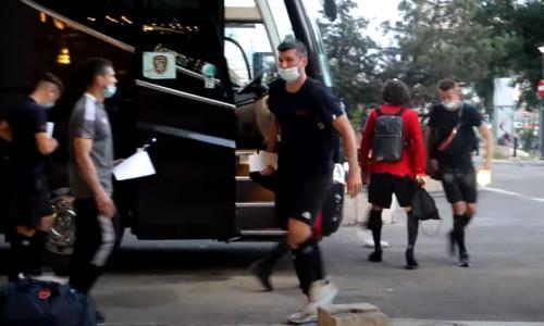 «Шахтер» прилетел в Румынию на первый матч в Лиге Конференций. Видео