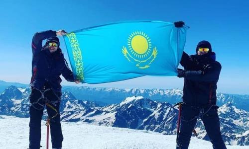 «Это были непередаваемые эмоции». Братья из Казахстана покорили Эльбрус
