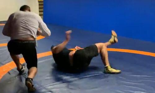 Чимаев показал видео очень интенсивной бросковой тренировки