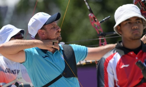 Казахстанский лучник победил в первом круге турнира Олимпиады-2020
