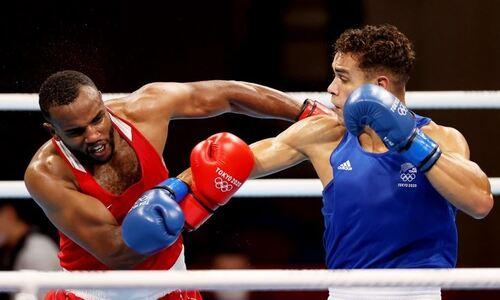 Боксёр попытался укусить соперника в поединке на Олимпиаде-2020 с участием Казахстана. Видео