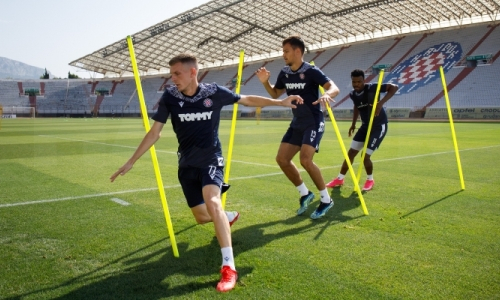 Футболисты «Хайдука» провели тренировку перед отправкой в Казахстан на матч с «Тоболом»
