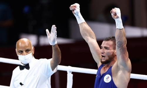 Российский обидчик Бекзада Нурдаулетова победил нокаутом и вышел в полуфинал Олимпиады-2020