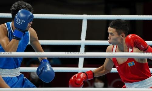Казахстанский боксер победил фаворита и вышел в четвертьфинал Олимпиады-2020