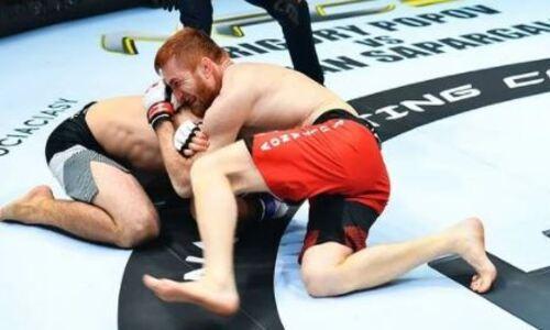 Казахстанский боец за 52 секунды «усыпил» чемпиона Узбекистана по MMA. Видео