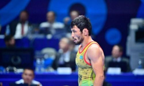 Вице-чемпион мира по борьбе из Казахстана проиграл в первой же схватке на Олимпиаде-2020