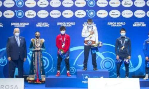 Казахстан завоевал две «бронзы» в первый день юниорского чемпионата мира по вольной борьбе