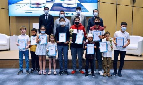 Награждены победители турнира по быстрым шахматам «Кубок Дармена Садвакасова-2021»