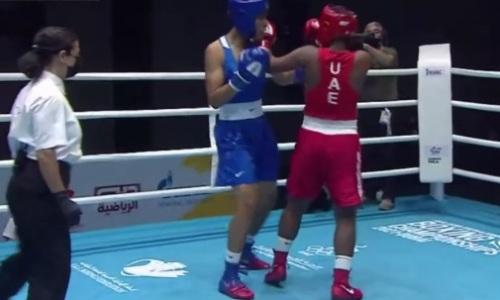 Видео быстрого нокаута казахстанского тяжеловеса в бою за выход в финал МЧА-2021