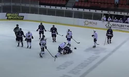 Хоккеист молодежной сборной Казахстана устроил кулачный бой в товарищеском матче. Видео