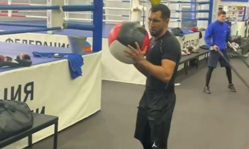 Айдос Ербосынулы показал видео с тренировок перед отборочным боем на титул WBA