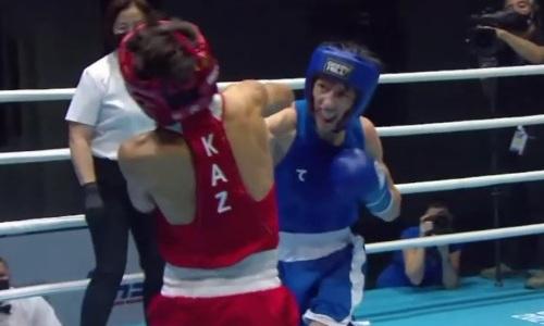 Видео боя, в котором казахстанский чемпион мира легко разобрался с узбекским боксером и вышел в финал МЧА-2021