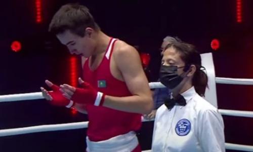 Казахстанский боксер отправил соперника в нокдаун и без проблем вышел в финал МЧА-2021