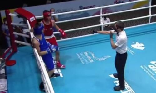 Видео боя, или Как казахстанского боксера нокаутировал узбек на МЧА-2021