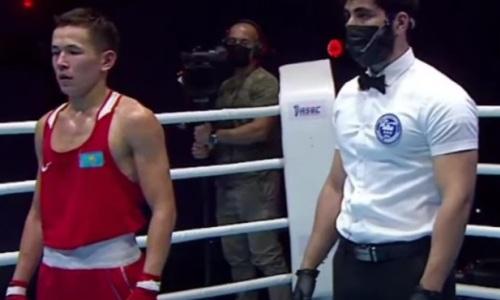 Казахстанский боксер без проблем вышел в финал МЧА-2021