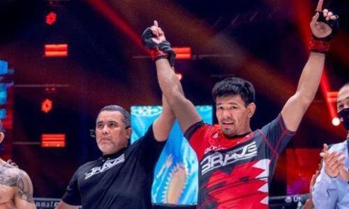 Казахстанский боец сенсационно задушил экс-чемпиона и получил контракт от Brave CF