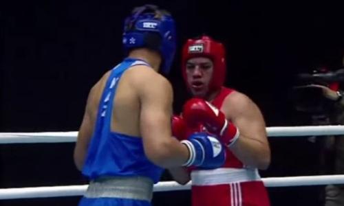 Казахстанский супертяж оформил нокаут и зарубится с узбеком за «золото» МЧА-2021 по боксу