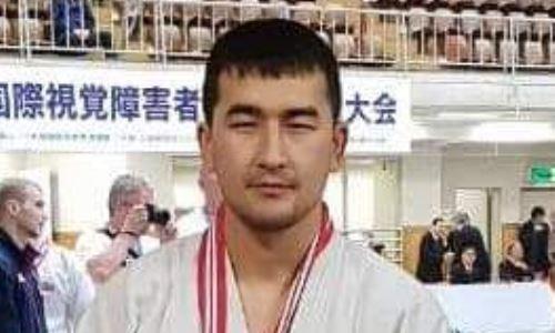 Казахстанский дзюдоист без борьбы вышел в четвертьфинал Паралимпиады-2020
