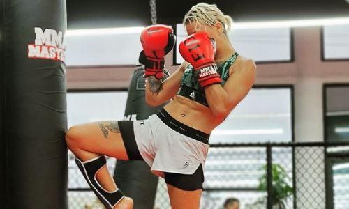 Агапова провела тренировку с очаровательной рекордсменкой из UFC. Фото