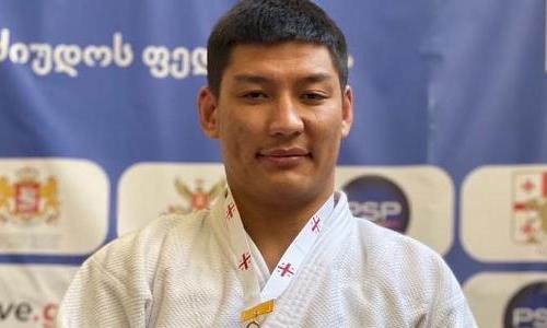 Казахстанский дзюдоист ярко победил россиянина на старте Паралимпиады-2020
