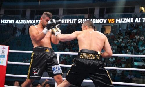Казахстанского боксера со странной боевой стойкой назвали в США