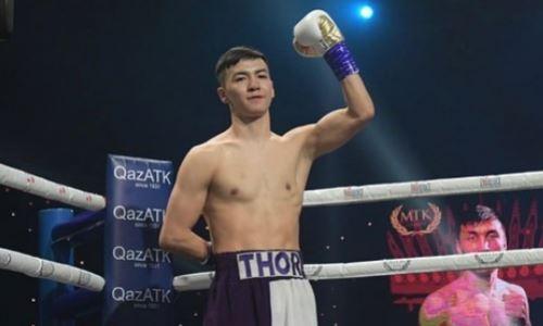 Непобежденный казахстанский боксер с титулами WBC и WBO показал силу и скорость ударов. Видео