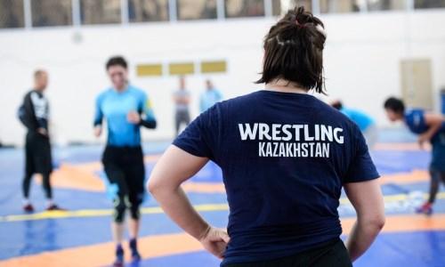Сборная Казахстана по женской борьбе завершила УТС в Нур-Султане