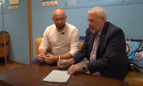 Соперник «Барыса» по конференции КХЛ подписал необычный контракт с Ковальчуком