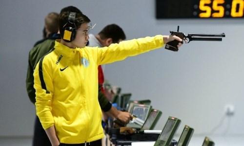 «Я был самым молодым среди противников». Казахстанец оценил свое «золото» на ЧА-2021 по пулевой стрельбе
