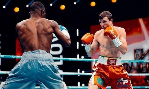 Казахстанский боксер разгромил «маленького» соперника в бою за титул WBA