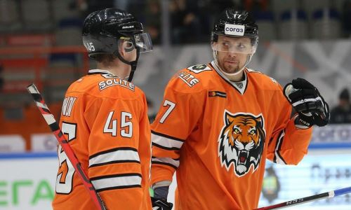 Клуб КХЛ одержал первую победу в сезоне и сократил отставание от «Барыса» до одного очка