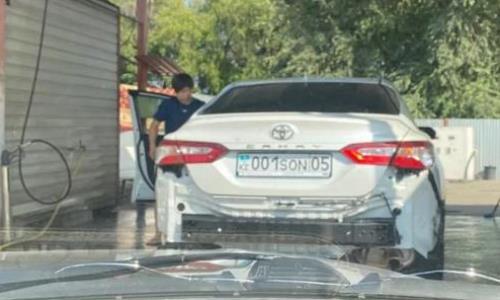 Казахстанский призер Олимпиады в Токио разбил подаренное ему авто