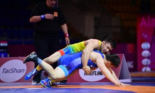 Казахстанские вольники готовятся к чемпионату мира с борцами из Европы