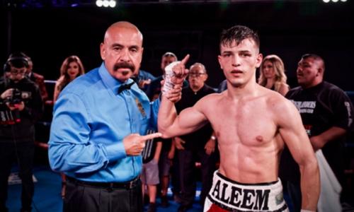 Таджик закатил американскому нокаутеру «бой года» в главном событии вечера бокса в США. Видео