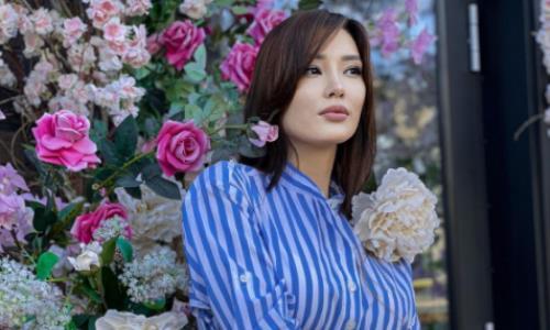 «Наслаждайтесь». Сабина Алтынбекова порадовала фанатов сказочным фото в изысканном платье