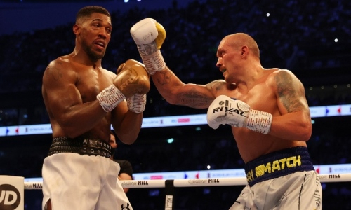 «Показал и доказал всему миру». Казахстанский боксер прокомментировал победу Усика над Джошуа