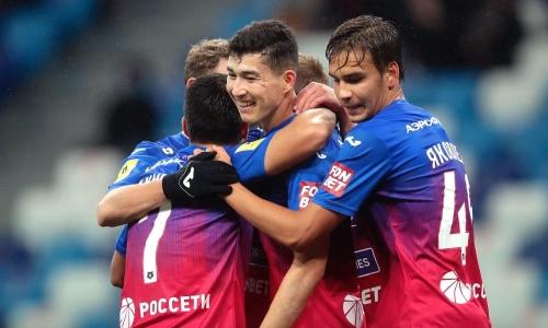 Зайнутдинов показал фото из раздевалки после гола пятой точкой в матче РПЛ