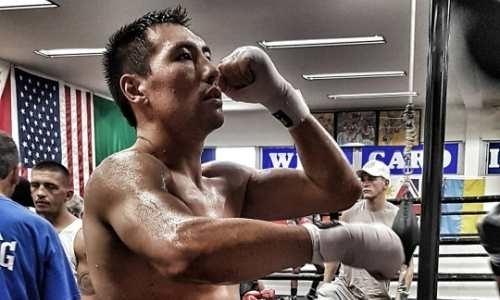 Жанибек Алимханулы показал подготовку к бою с бывшим чемпионом мира. Видео