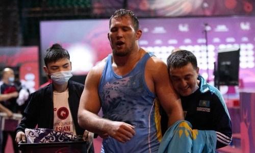 Казахстанский борец вышел в полуфинал чемпионата мира в Осло