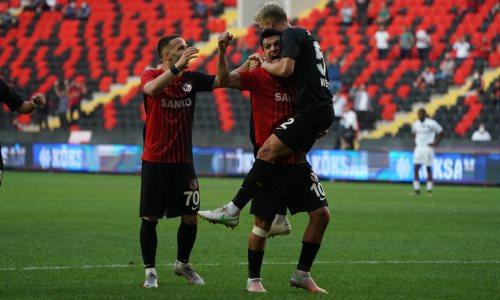 Казахстанский футболист впервые забил в Турции и помог клубу одержать крупную победу