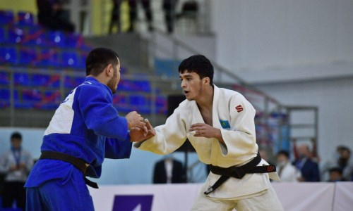 Казахстанец сразится за «бронзу» молодежного чемпионата мира по дзюдо