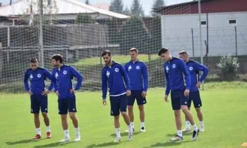 Испугались санкций УЕФА? Два завернутых из Казахстана боснийских игрока получили визы